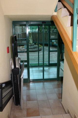 A gyöngyvirág szálló akadálymentesített bejárata