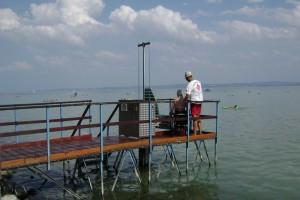A zánkai Balaton parton egyszerű a vízbe jutás